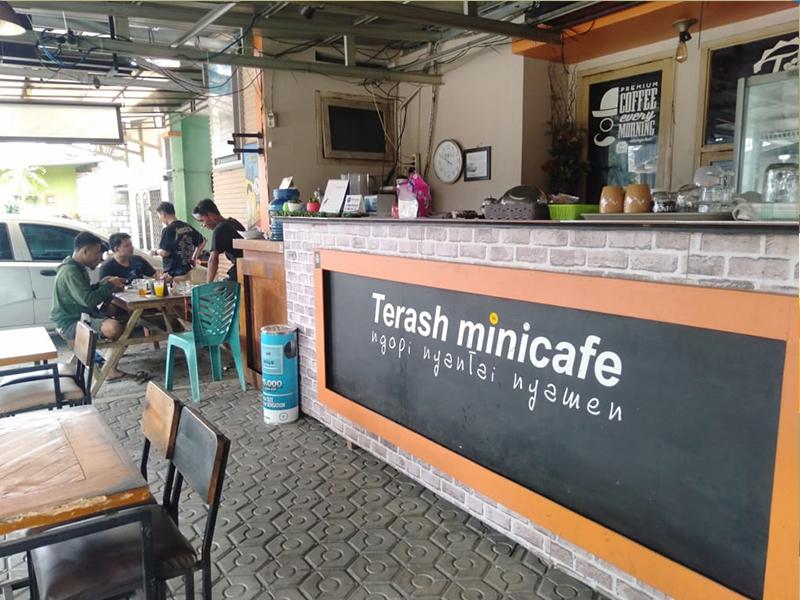 Terash Mini CaféTempat Ngopi Fresh Nan Asyik