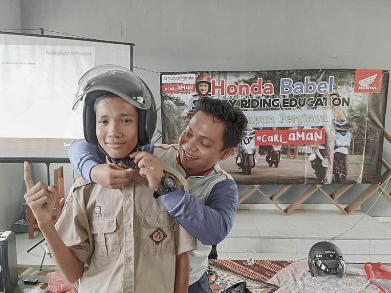 Tim Safety Riding Honda Beri Edukasi Cara Berkendara di SMK Bangka Barat