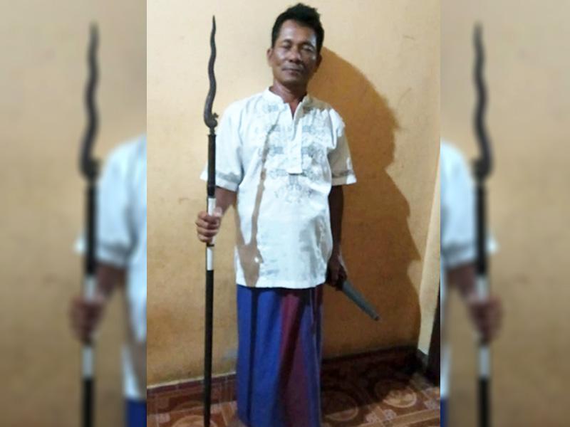 Tim Sosbud KKN UBB Kota Kapur Temukan Tombak Kuno