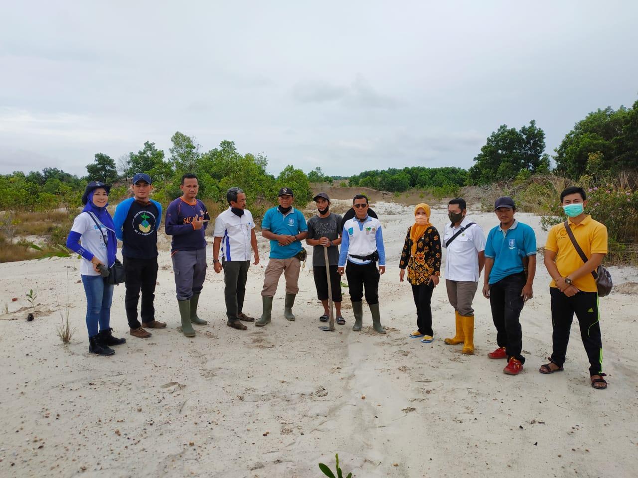 Tingkatkan Ekonomi Kemasyarakatan, KPHP Unit III Bubus Panca Tanam 1.300 Pohon Mente Di Lahan Eks Tambang
