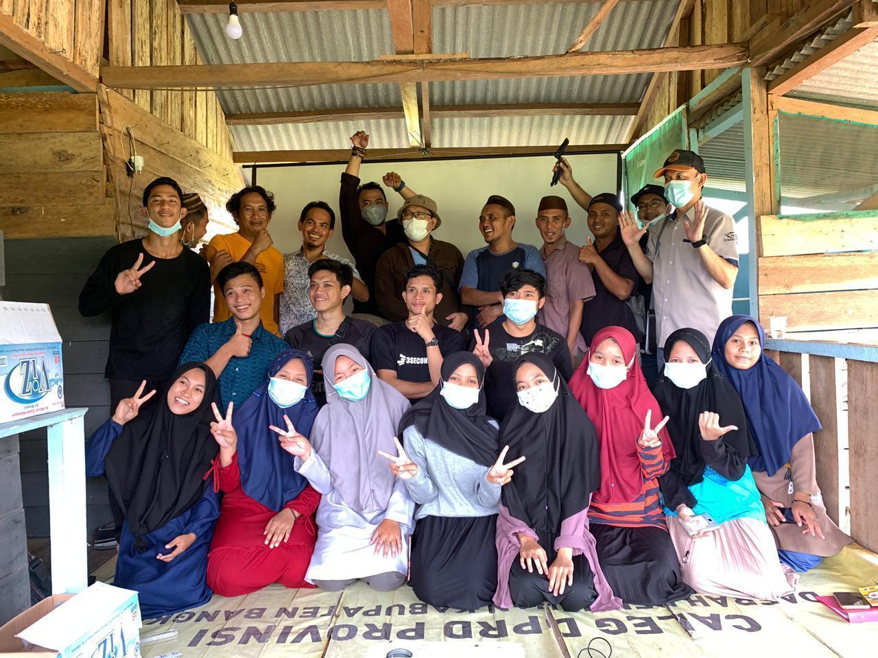 Tohari Inisiasi Pemuda Desa Kemuja Ikuti Workshop Jurnalistik, Usai Belajar Langsung Bentuk Tabloid Bumang