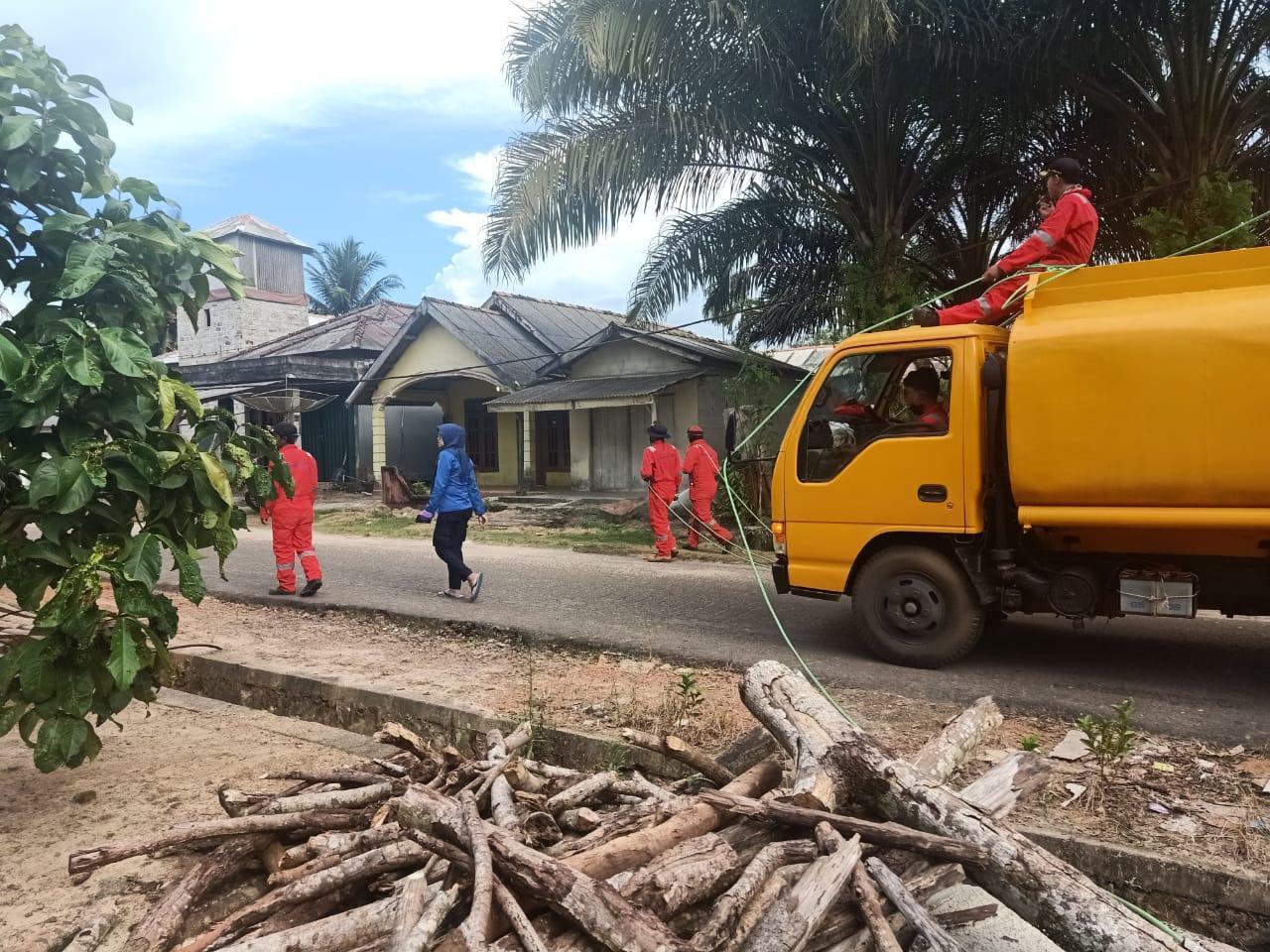 Tujuh Desa Disemprot Desinfectan, Tim Damkar Basel Dibantu Water Canon