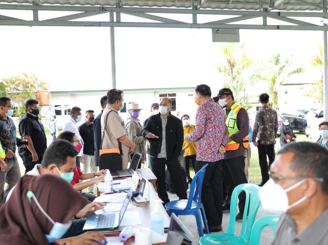 Vaksinasi Pegawai Bandara, Bukti Jaminan Pengunjung HAS Hanandjoedin Belitung