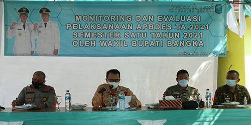 Wabup Bangka Buka Kegiatan Monitoring dan Evaluasi APBDes di Kecamatan Bakam