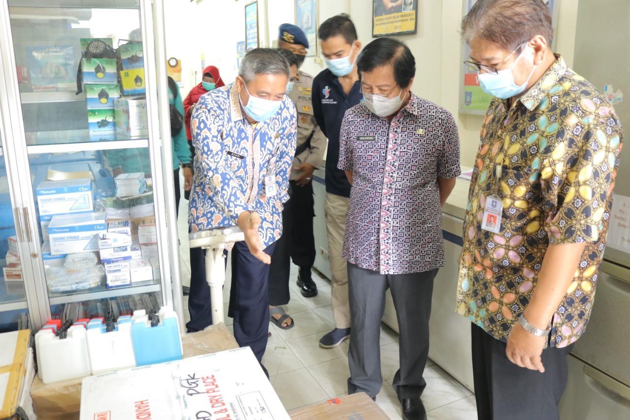 Wagub Abdul Fatah Lepas Distribusi Vaksin Covid-19 ke Belitung